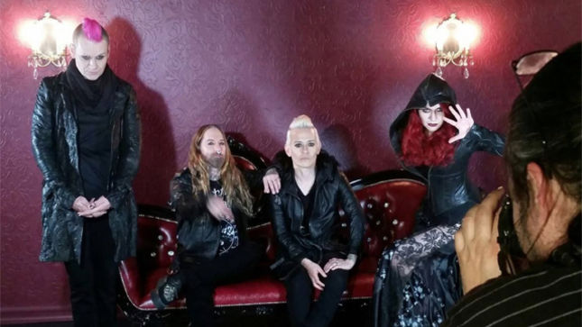 """COAL CHAMBER Streaming New Song """"I.O.U. Nothing"""""""