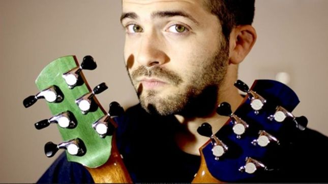 """Guitarist LUCA STRICAGNOLI Covers AC/DC Anthem """"Thunderstruck"""" Acoustic; Video Available"""