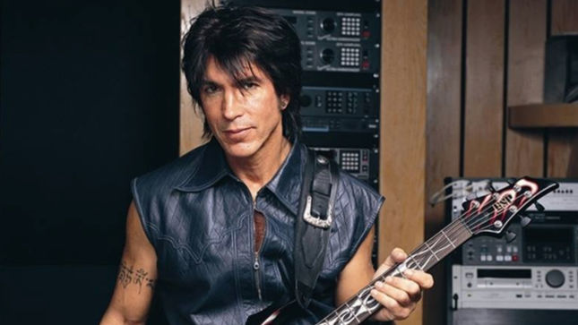 """GEORGE LYNCH On Taking Over RANDY RHOADS Students After Losing OZZY Guitar Gig - """"Yeah, I Got The Consolation Prize""""; Audio Interview Streaming"""