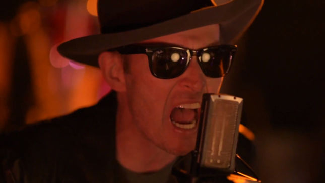 """SCOTT WEILAND AND THE WILDABOUTS - """"Way She Moves"""" And """"Hotel Rio"""" Video Teasers Streaming"""