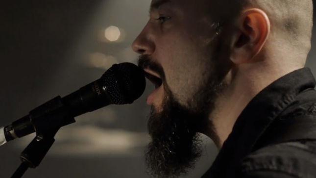 "KLOGR Premier ""Breaking Down"" Music Video"