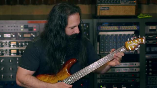 DREAM THEATER Guitarist JOHN PETRUCCI Posts New Lesson For Guitar World's Wild Stringdom: Triad Arpeggios