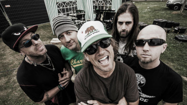 """UGLY KID JOE's Whitfield Crane On Working With ROB HALFORD - """"It Was My Dream!"""""""