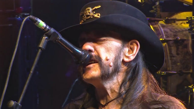 """TONY IOMMI Remembers LEMMY - """"Sex, Drugs And Rock N' Roll… He Really Lived That Life, And He Loved It""""; Video"""
