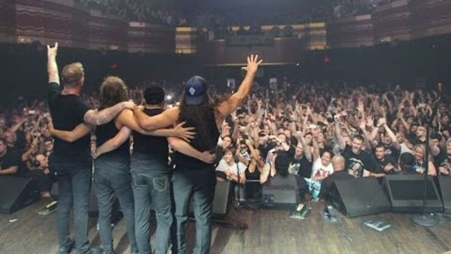 "METALLICA - Fan-Filmed Video Of Entire Webster Hall Show Posted; ""Moth Into Flame"" Performed Live For The First Time"