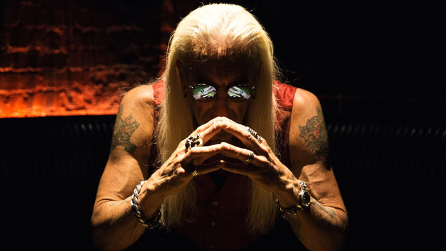 "DEE SNIDER Talks What Made TWISTED SISTER A Hit - ""It Was Our Attitude, I Call It The Middle Finger Factor"""